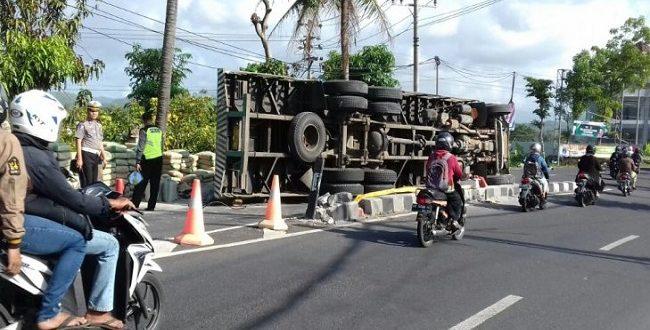 INFO KECELAKAAN: Mahasiswa FPIK Undip Tewas Kecelakaan