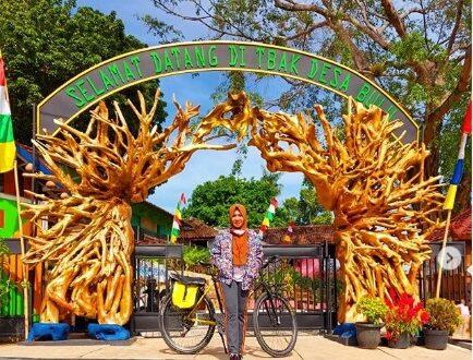 Batik Tulis dan Akar sebagai icon menarik Taman Batik Akar Kartini