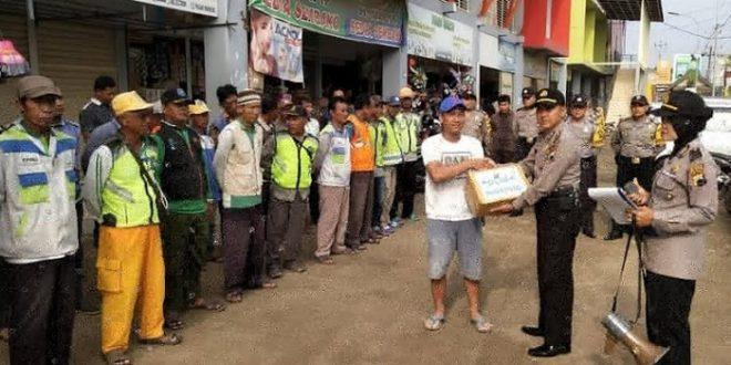 Polsek Mayong Beri Penghargaan Juru Parkir yang Gagalkan Pencurian Motor